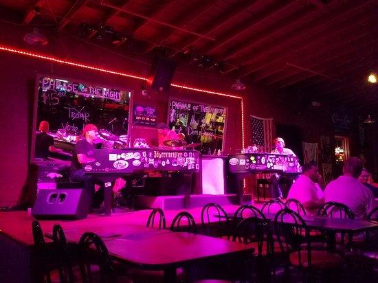 Savannah Smiles Dueling Pianos Saloon : 20160804_224637_large.jpg