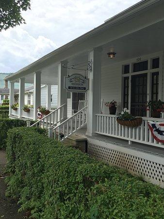 Confluence, PA: Smith House Inn