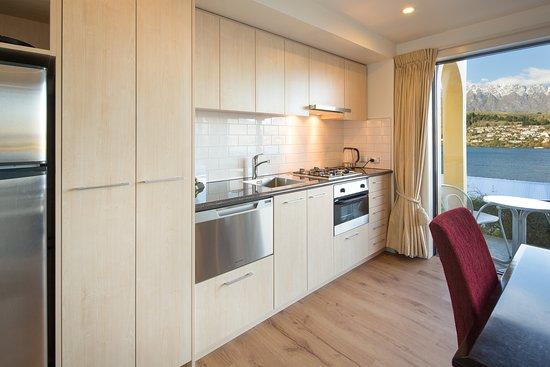 Villa Del Lago: New Suite Kitchen