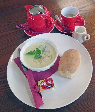 Motueka, Nouvelle-Zélande : Pot of Tea and the Chowder