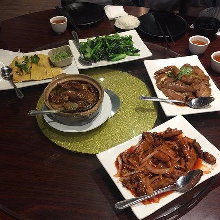 Fung Wong Chinese Restaurant En Vegetables Claypot