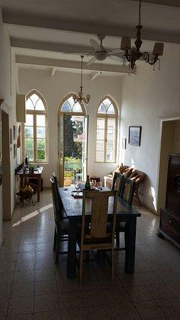 Al-Mutran Guest House: 20160806_082931_001_large.jpg