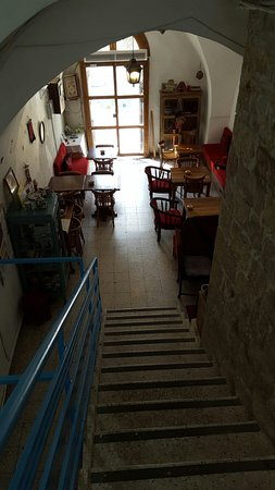 Al-Mutran Guest House: 20160806_084259_large.jpg