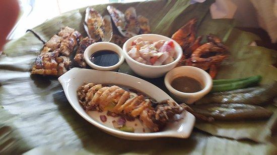 Mindanao, Philippinen: Seafood Bilao