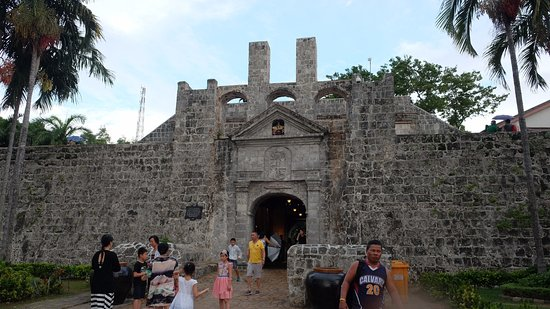 Fort San Pedro: 요새 입구