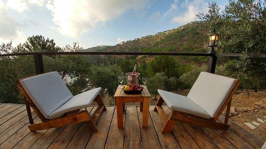 Jezzine, Libanon: the Romantic Terrace