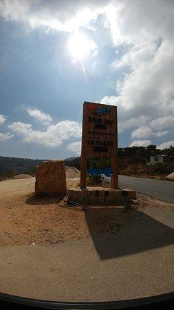 Jezzine, Libanon: Blue Jay Valley..Unforgettable