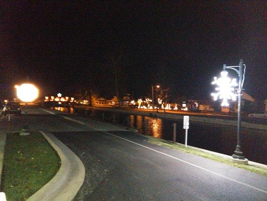 Winona Lake, IN: Winona Driveway