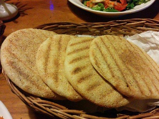 Anjuna, India: Lovely fresh bread at Sweptaway!