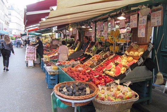 Rue Poncelet Markt