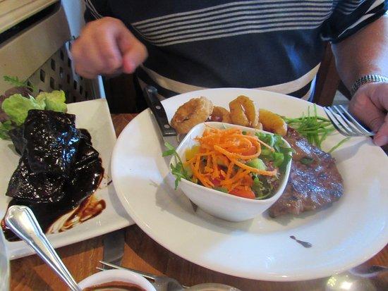 Darley Dale, UK: steak and ribs