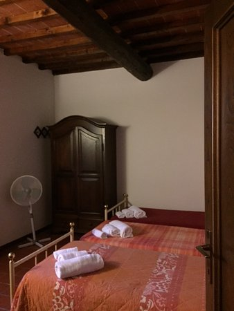 Borgo La Casaccia: 2nd bedroom (big enough for 3 kids)