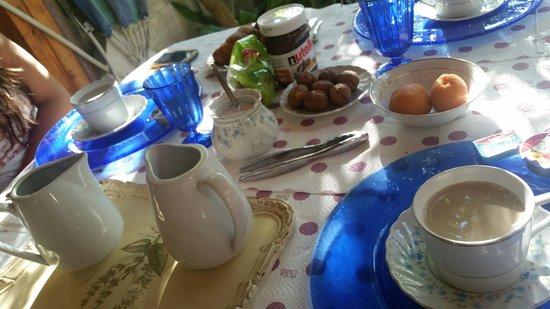 Il Pavone Bed & Breakfast: Il risveglio... rilassante su delle note di musica classica...