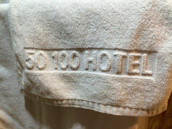 50 100 Hotel & Restaurant: 50-100 Hotel towel