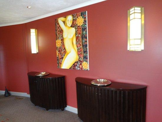 Tarraleah, Australia: The Lodge entrance hall