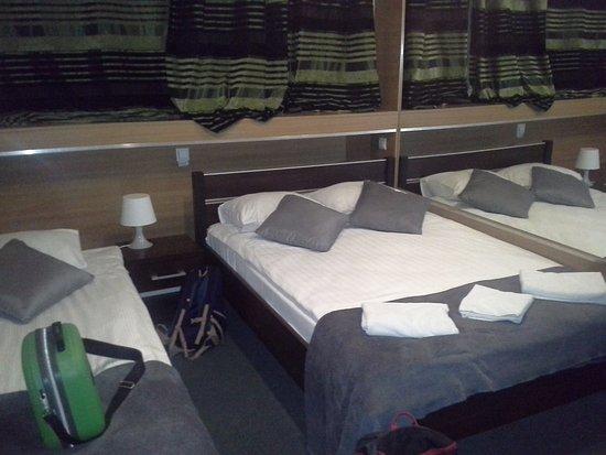 Sunny Hotel: Pokój na dwie lub 3 osoby.