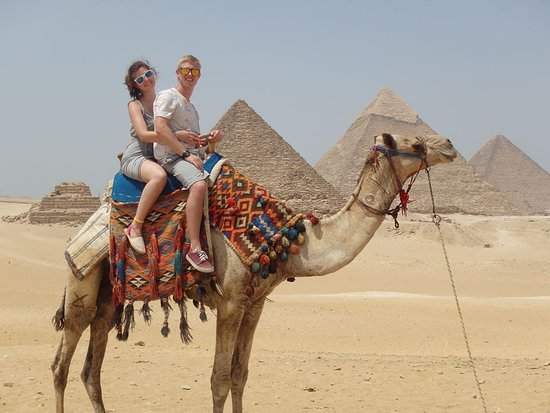 Egypt Tours Portal Day Trips : Camel Ride at the pyramids