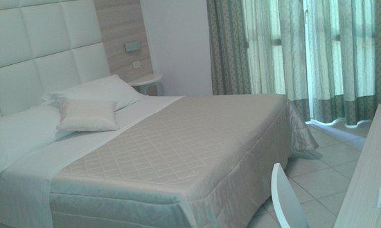 Hotel Rosmarina: Camera matrimoniale al primo piano