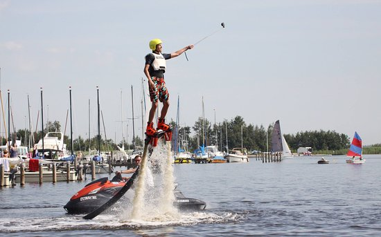 Koudum, Hollanda: Flyboarden