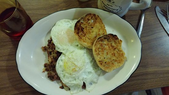 Herb's Country Deli & Restaurant : Pastrami hash with eggs and English muffins.