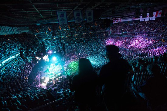 finest selection 4d709 b56e6 Bruce Springsteen Concert at Prudential Center - Picture of ...