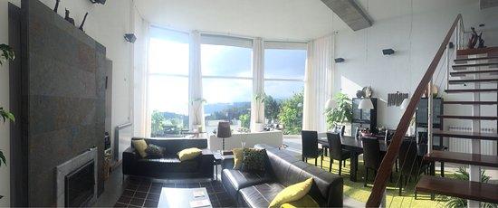 Salon Moderne Avec Jolie Vue Dégagée - Picture Of Hotel Garazar