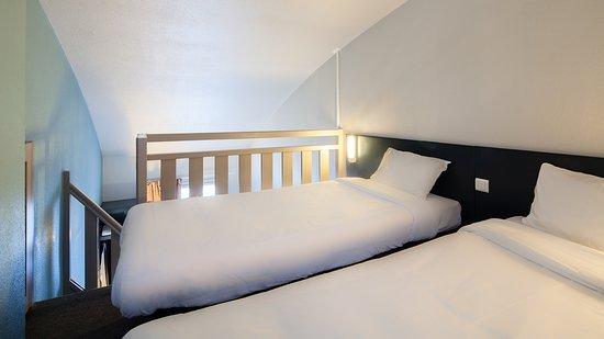 b b h tel douai parc des expos cuincy france voir les tarifs et 44 avis. Black Bedroom Furniture Sets. Home Design Ideas