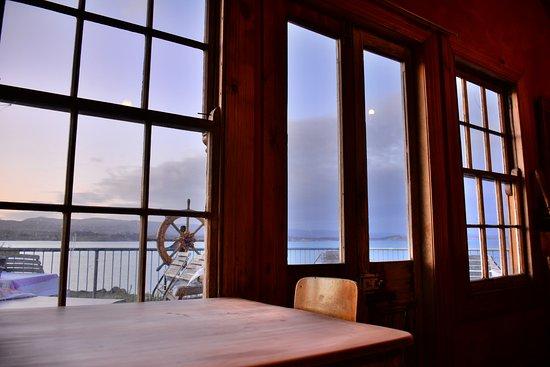 Moeraki, Nueva Zelanda: 2nd Floor, looking out the window