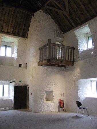 Oughterard, Irlanda: Top floor of Aughnanure Castle.