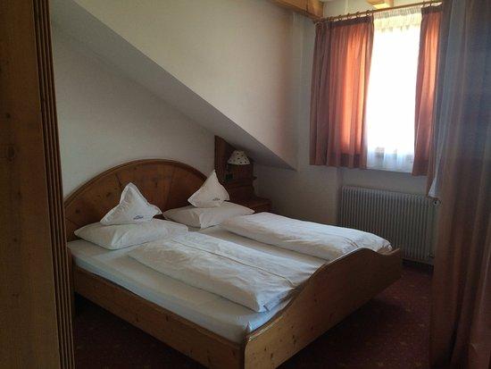 Alp Cron Moarhof Hotel: Letti