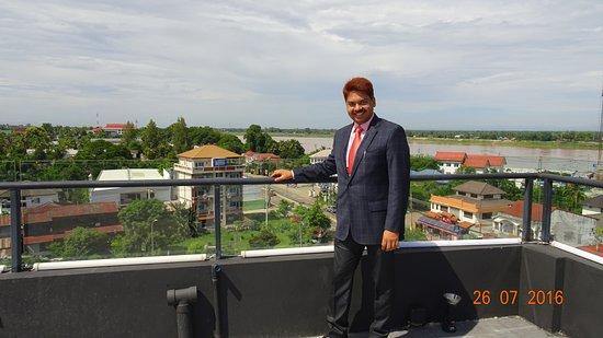 Rashmi's Plaza Hotel : Mekong River in the background