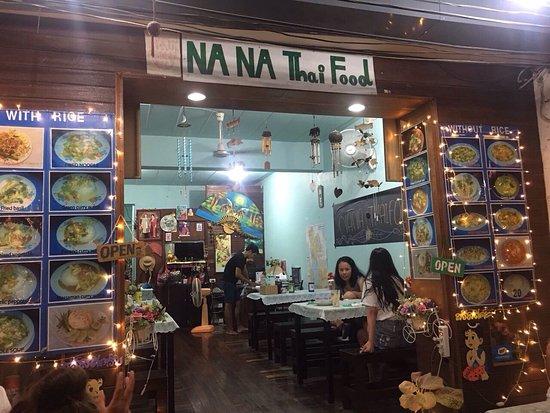 Na Na: Foto del ristorante dall'ingresso