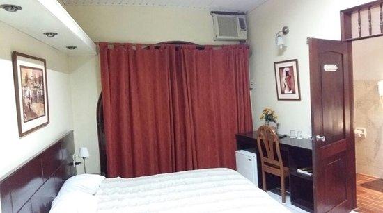 La Posada de Lobo Hotel & Suites : habitacion 101 la mas amplia para matrimonio