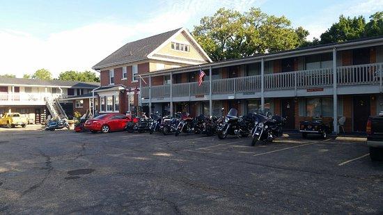 L & M Motel: 20160807_080211_large.jpg