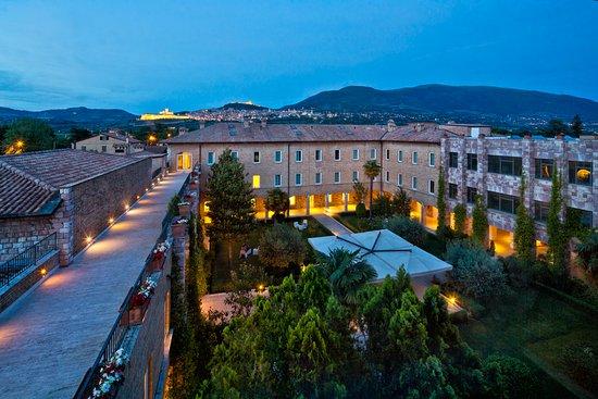 Hotel Cenacolo: Panoramica Chiostro al tramont