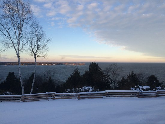 Egg Harbor, WI: Sunsets are beautiful from your suite in any season!