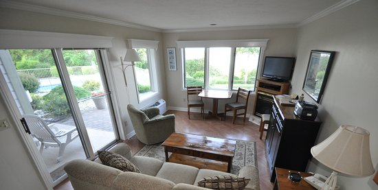 Egg Harbor, WI: Plenty of space and views from every corner of your villa.