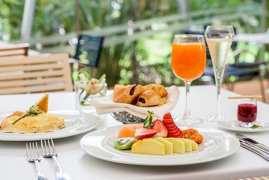 NH Collection Bogota Royal Teleport: Breakfast Buffet
