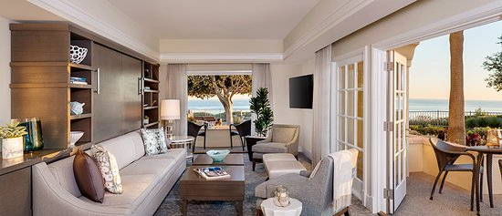 The Ritz-Carlton, Laguna Niguel : Our Ocean Suite Living Room offers gorgeous Views and living spaces