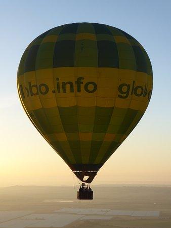 Green Aerostacion: foto al otro globo, desde el nuestro.