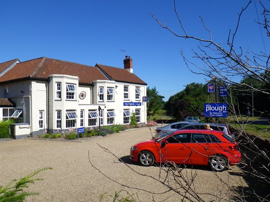 The Plough Inn: Parking to front and side on Inn. Front Elevation facing A 140