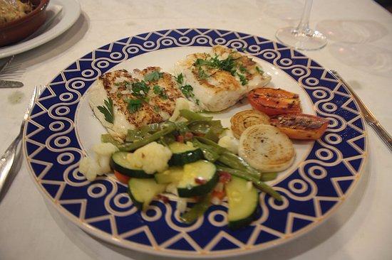 Venta El Frontil: Merluza with vegetables, very nice!
