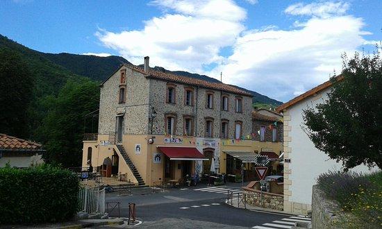 Saint-Laurent-de-Cerdans, فرنسا: 20160723_115355_large.jpg
