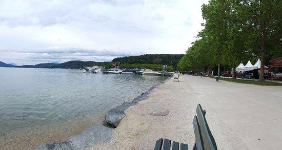 Velden am Woerthersee, Áustria: Vista da praia