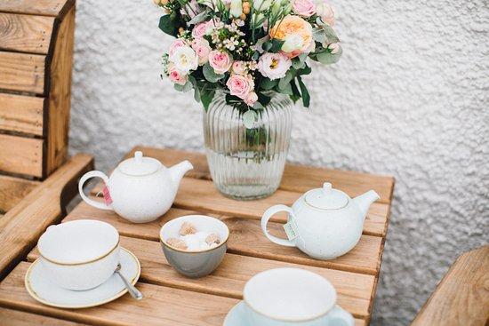 Kendal, UK: Pot of tea.
