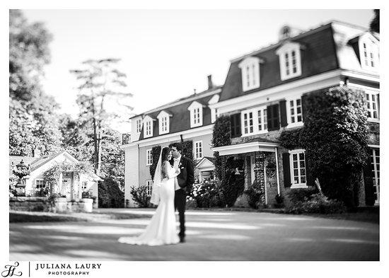 Holicong, PA: Wedding at The Inn at Barley Sheaf Farm
