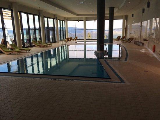 Vernon, Kanada: indoor pool. it's cooler.