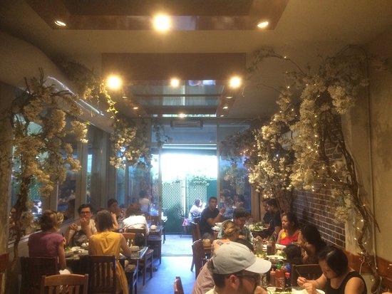 Restaurant Asiatique Montreal Rue Saint Denis