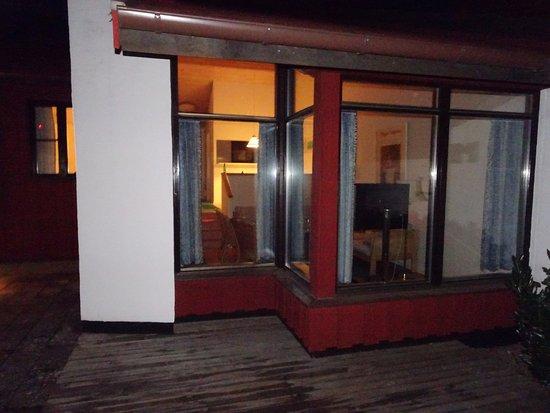 Loddekopinge, السويد: Bild från uteplatsen mot vardagsrum.
