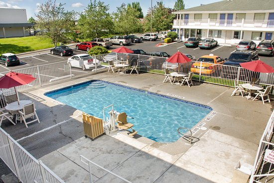 Motel 6 Tacoma South: Pool
